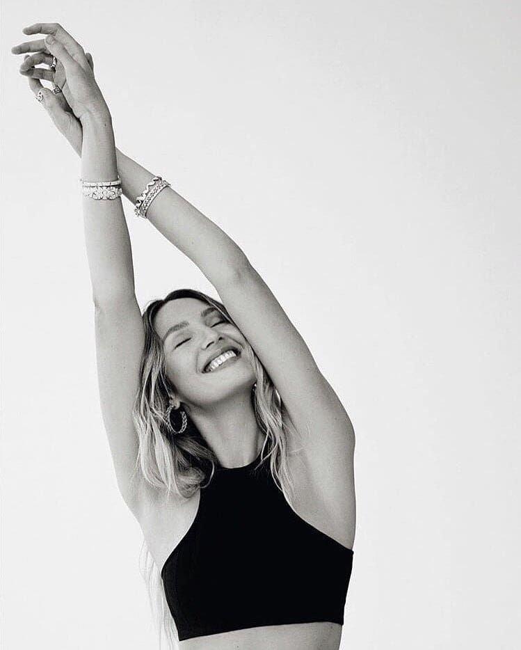 Candice Swanepoel Sexy (10 Photos)