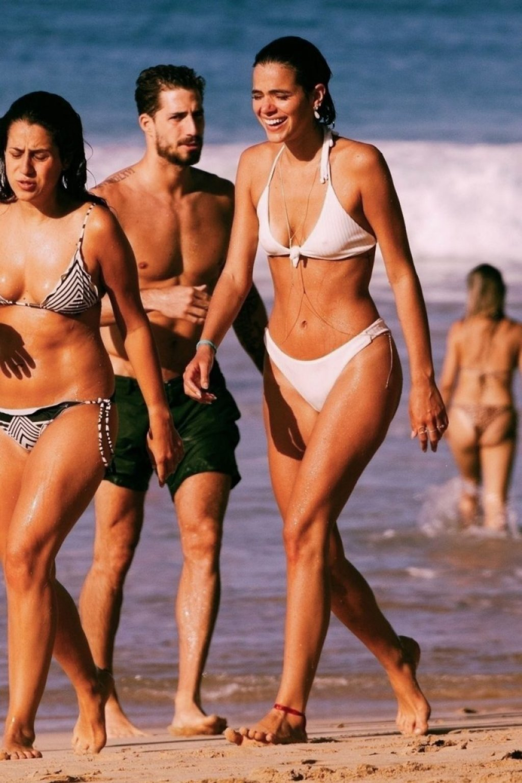 Izabel Goulart & Bruna Marquezine Sexy (14 Photos)