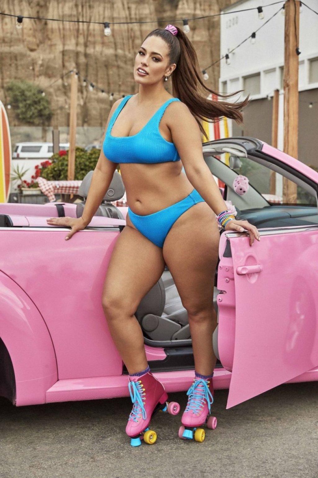 Ashley Graham Hot (15 Photos)
