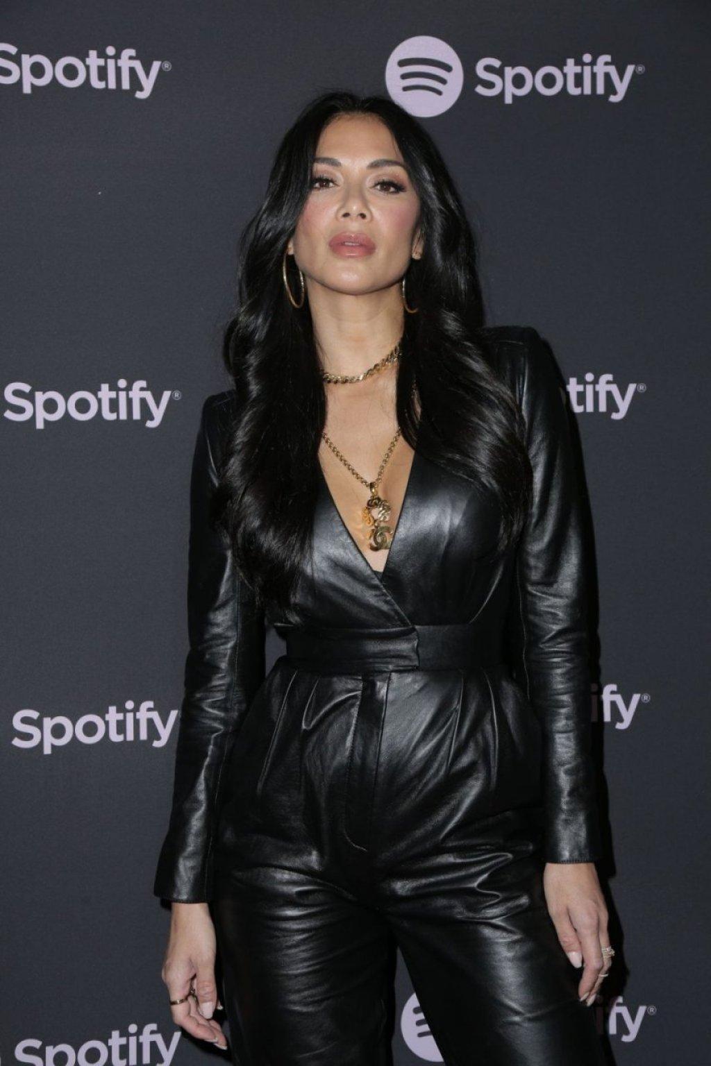 Nicole Scherzinger Hot (34 Photos)