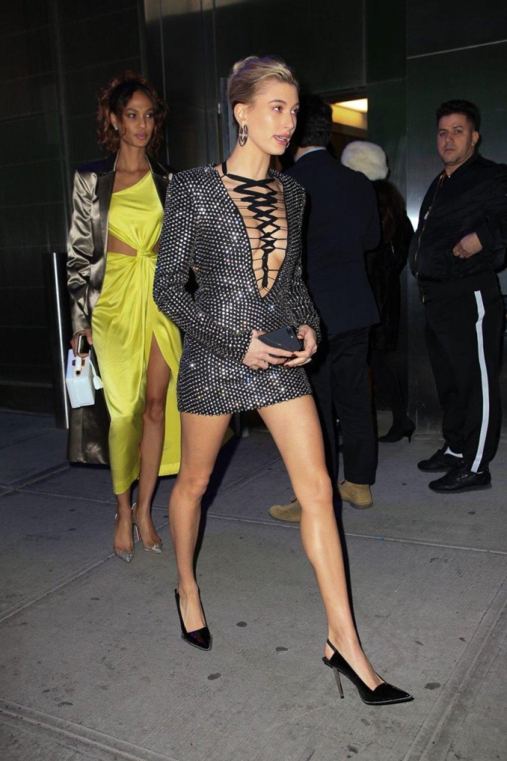 Hailey Baldwin Bieber Sexy (23 Photos)