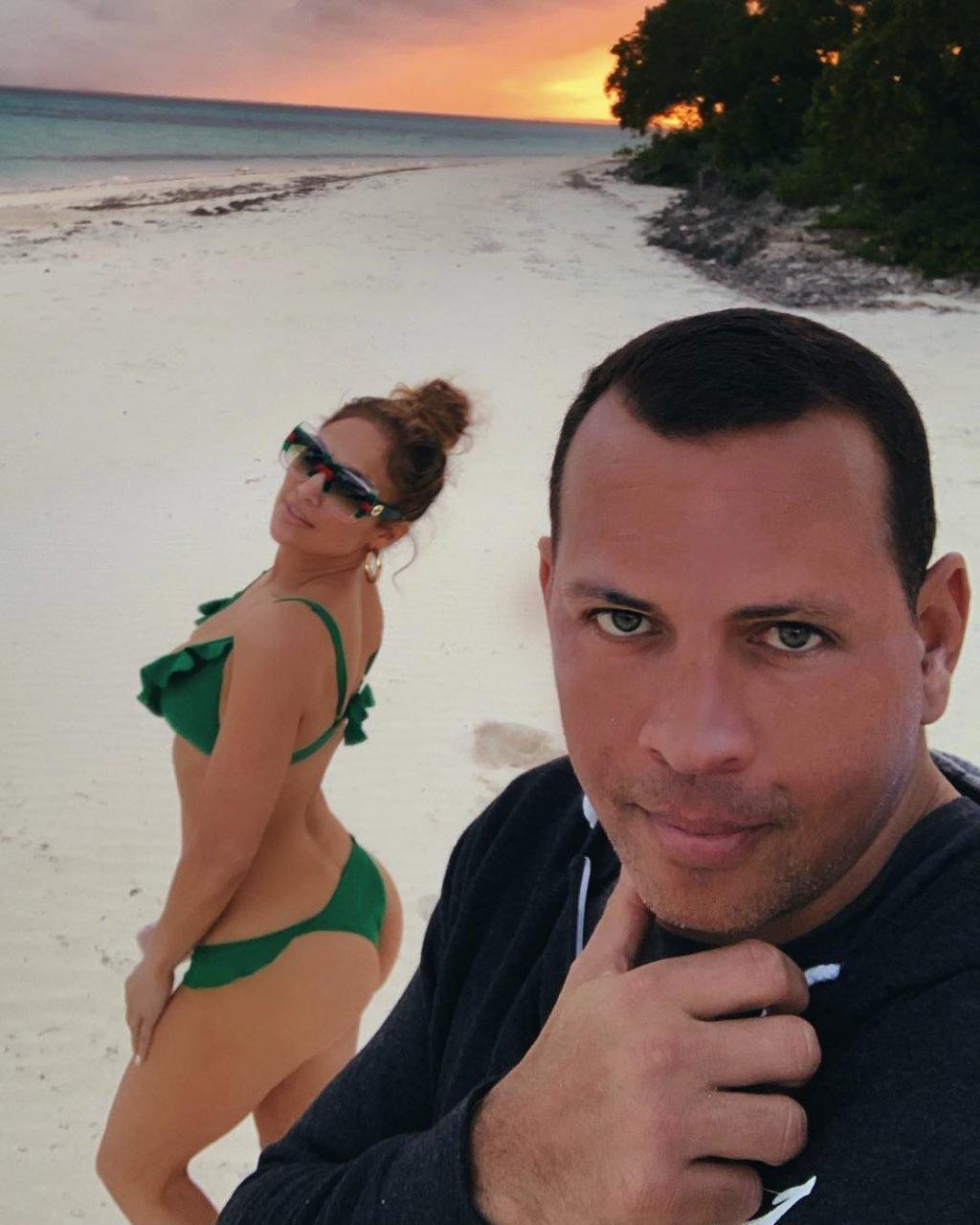 Jennifer Lopez Sexy (3 Photos)