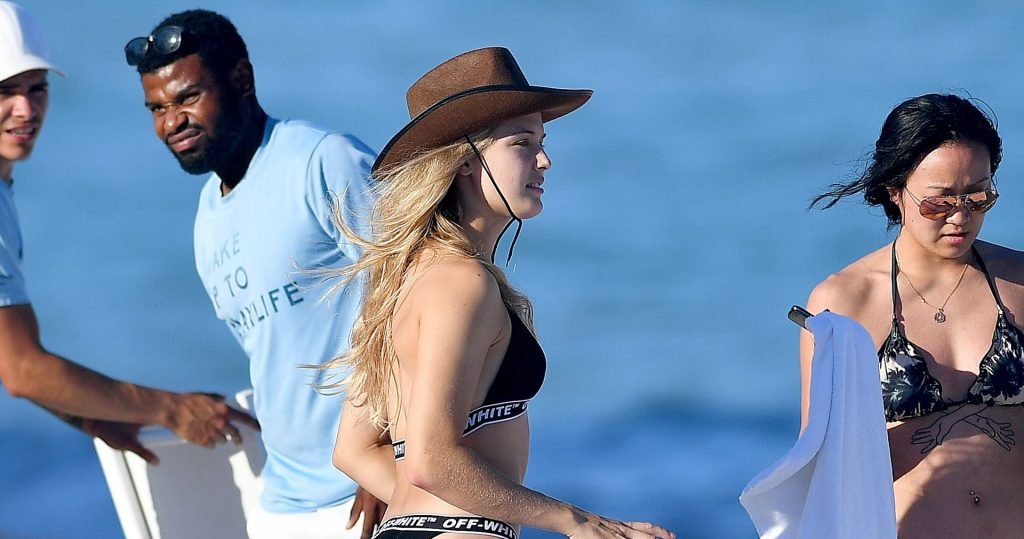 Eugenie Bouchard Sexy & Nip Slip (108 Photos + Video)