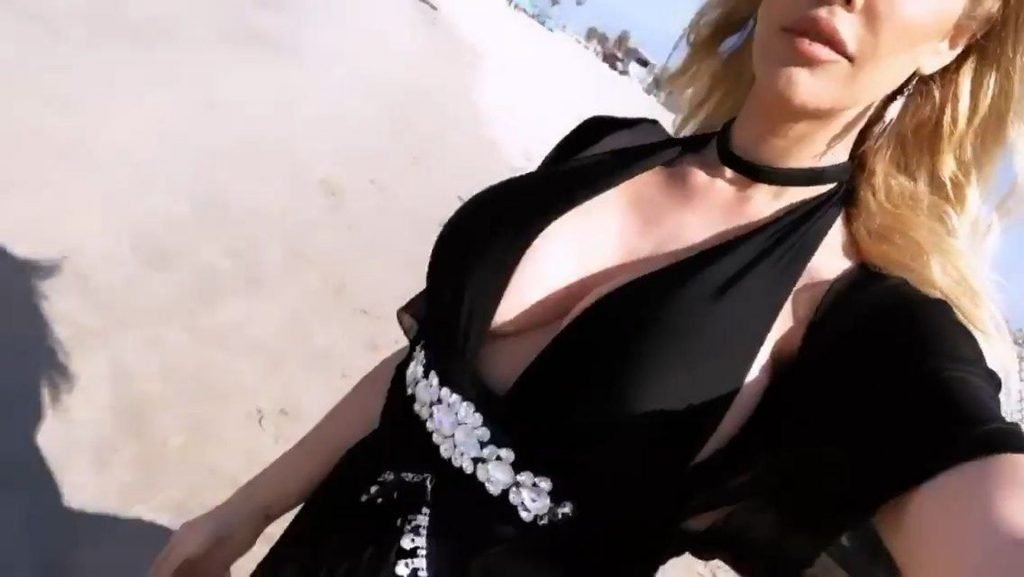 Kennedy Summers Sexy (41 Photos)