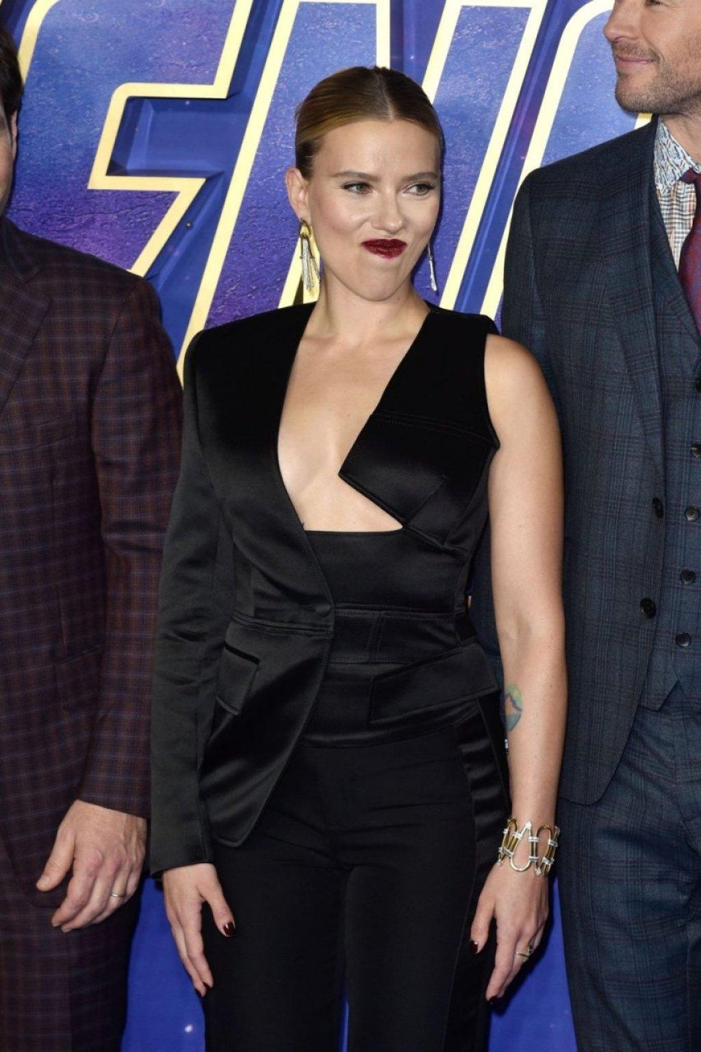 Scarlett Johansson Sexy (39 Photos)