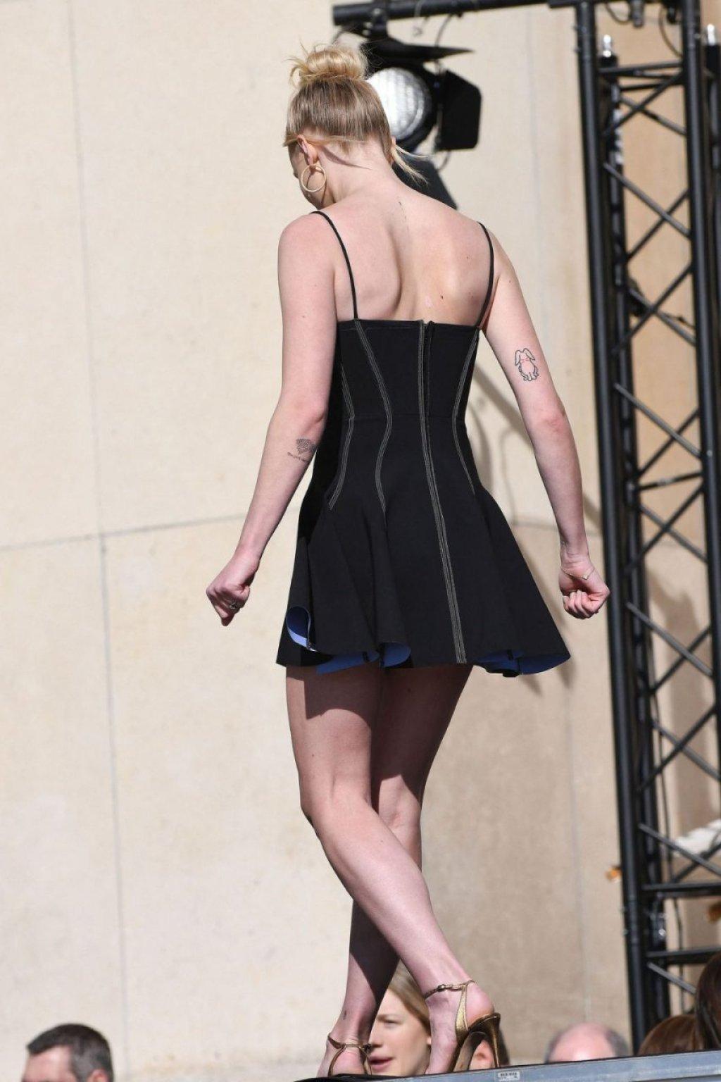 Sophie Turner Sexy (92 Photos)