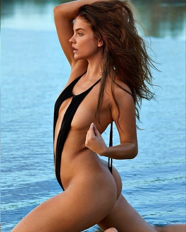 Barbara Palvin Sexy (6 Photos)