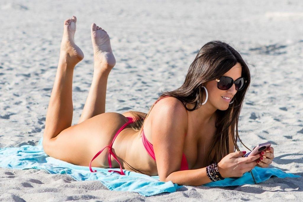 Claudia Romani (26 Sexy Photos)