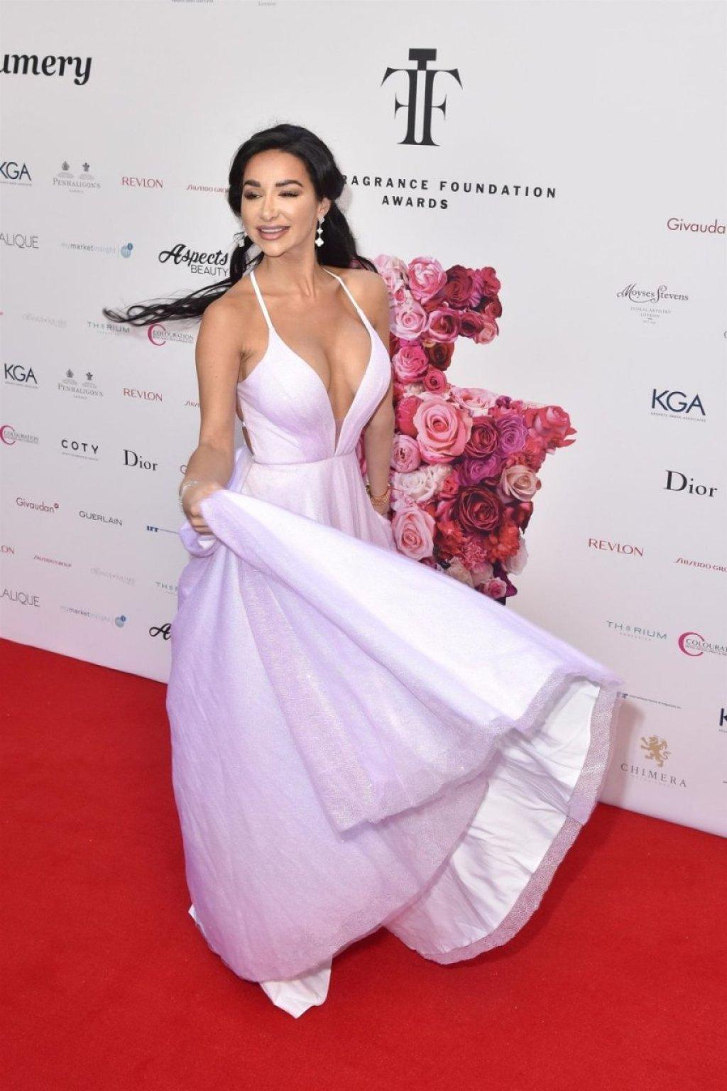 Natasha Grano Sexy (17 Photos)