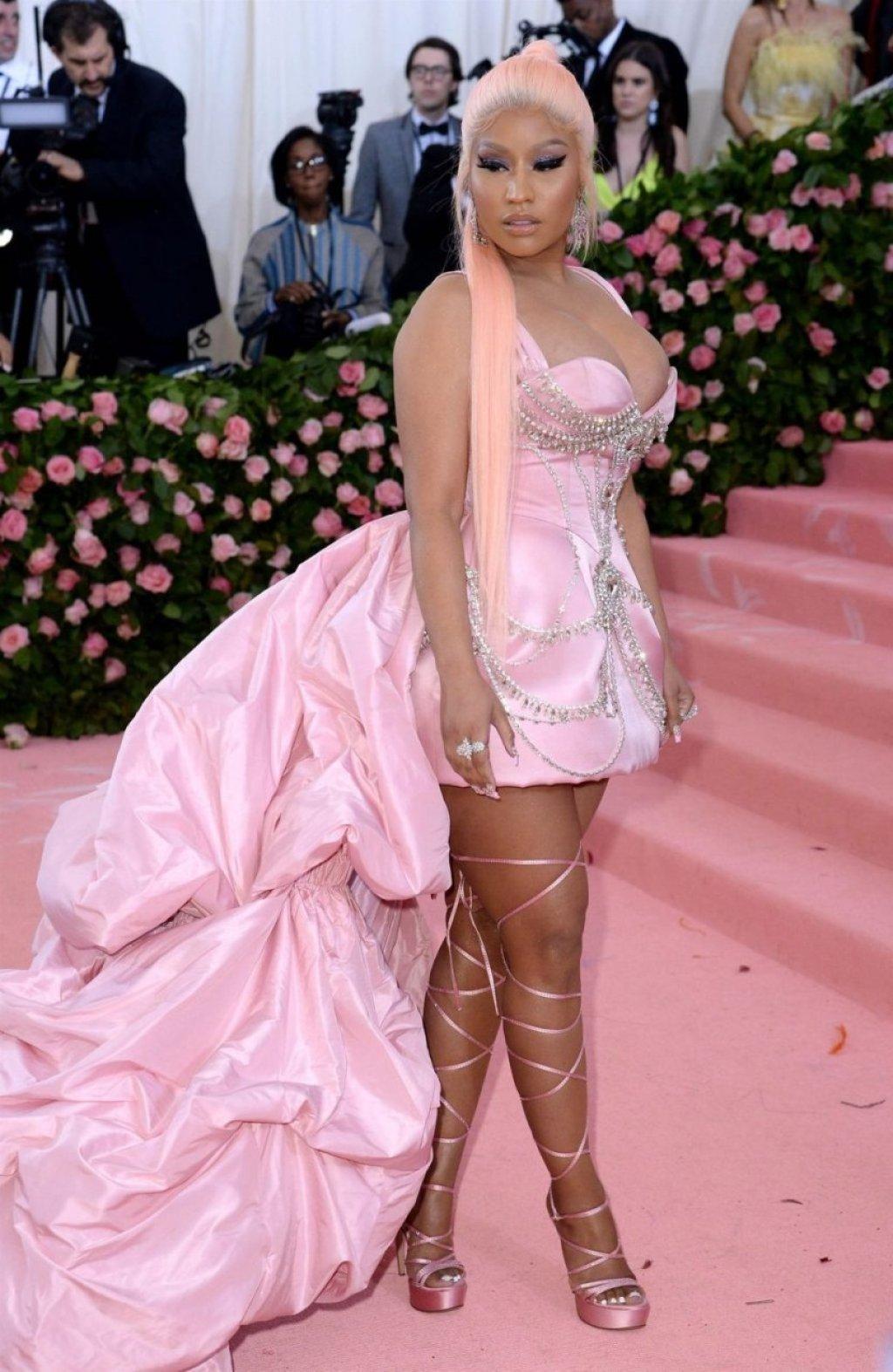 Nicki Minaj Hot (3 Photos)