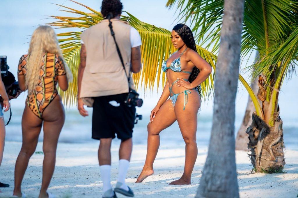 Ashanti Sexy (19 Photos)