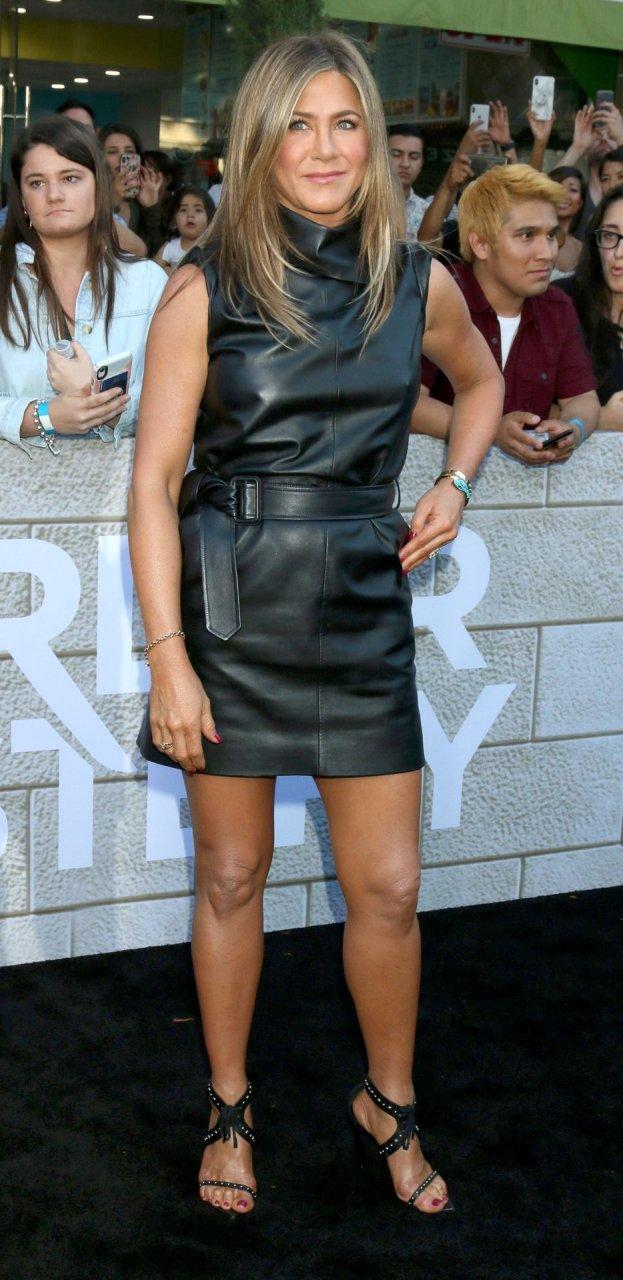 Jennifer Aniston Sexy (32 Photos)