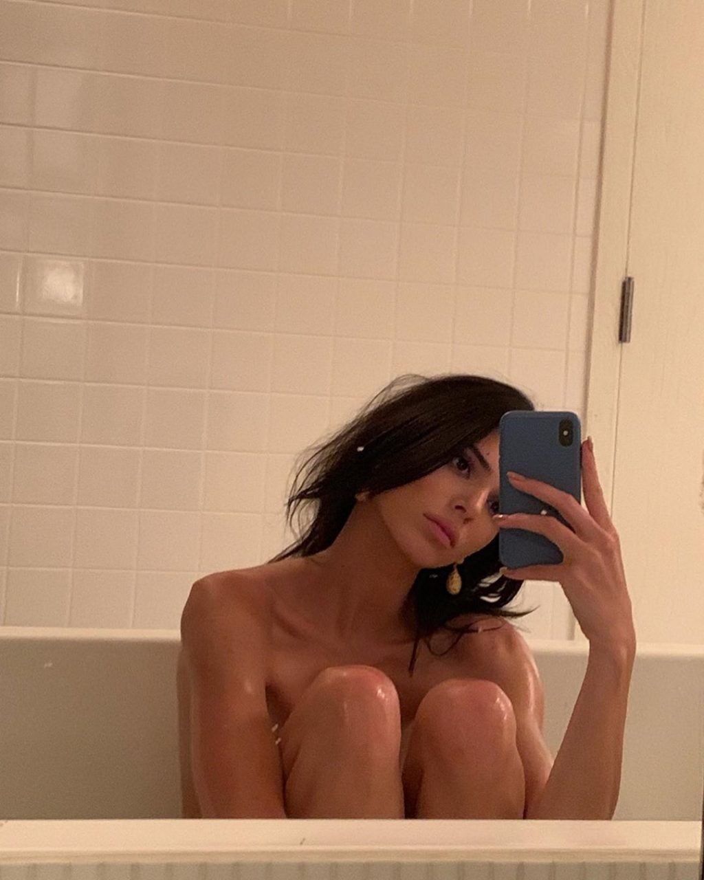 Kendall Jenner Nude (2 Pics)