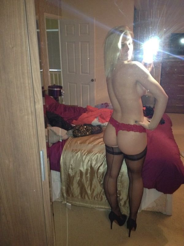 Vicky Longley Nude Leaked Fappening (3 Photos)