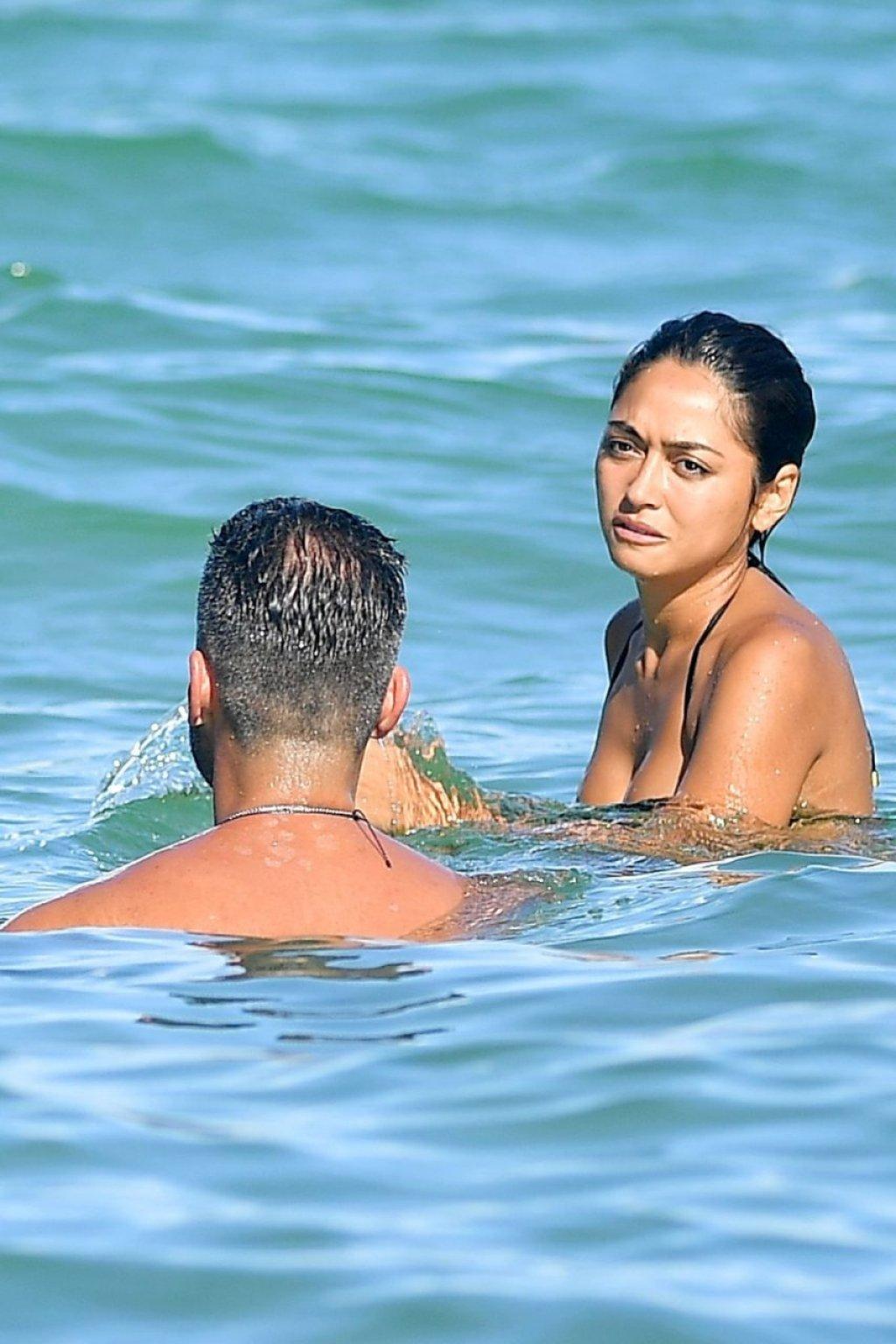 Ambra Gutierrez Sexy (20 Photos)