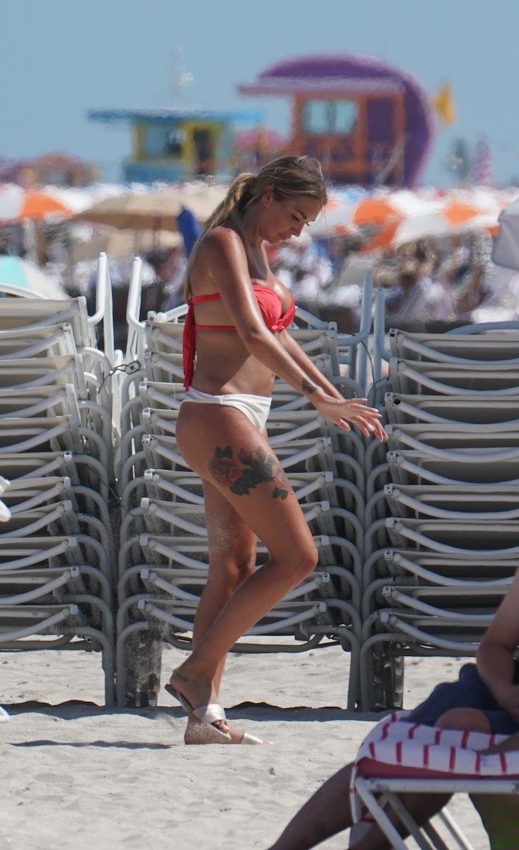Brooke Lynette Hot (20 Photos)