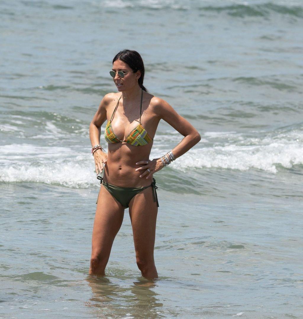 Elisabetta Gregoraci Sexy (22 Photos)