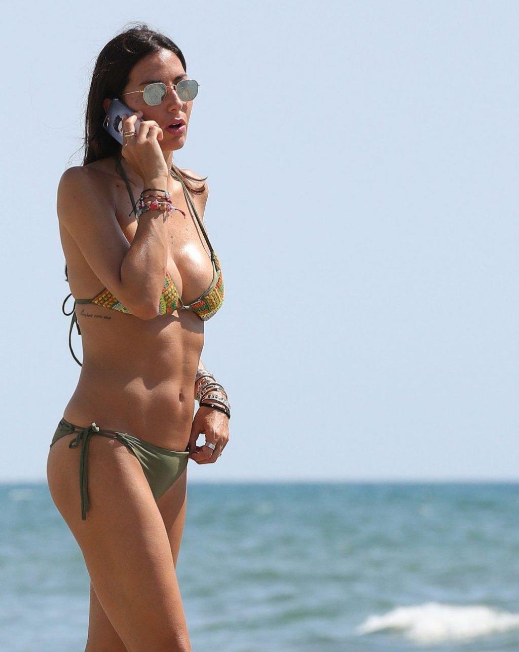 Elisabetta Gregoraci Sexy (42 Photos)