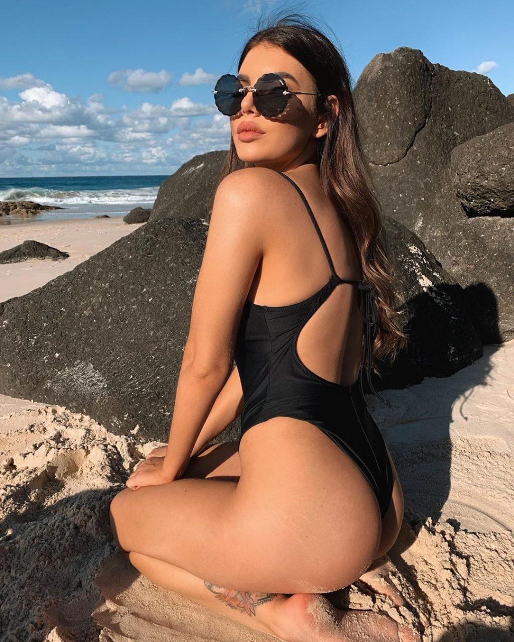 Nicole Thorne Nude & Sexy (117 Photos)