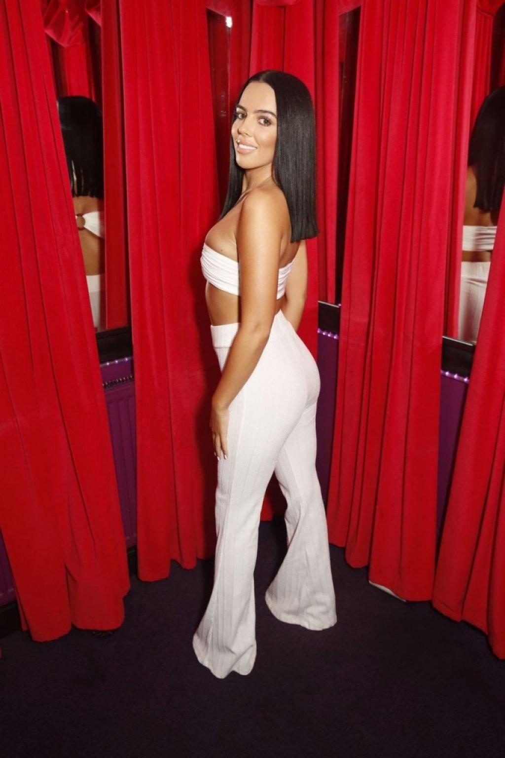 Robyn Delabarre Sexy (37 Photos)