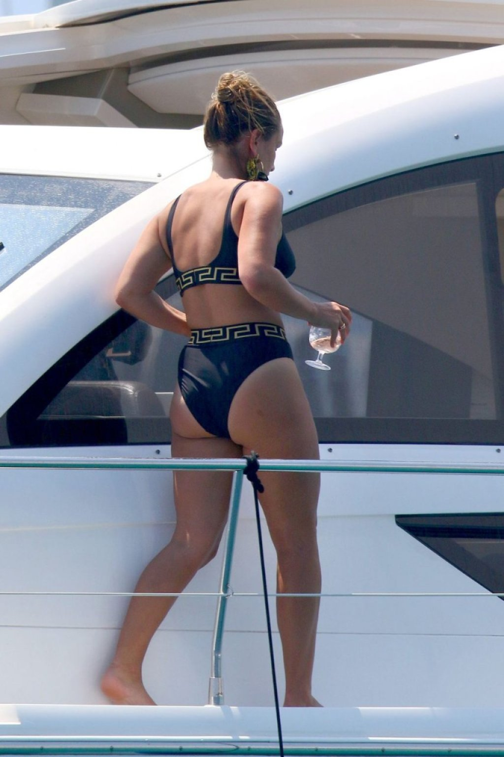 Sam Faiers Sexy (46 Photos)