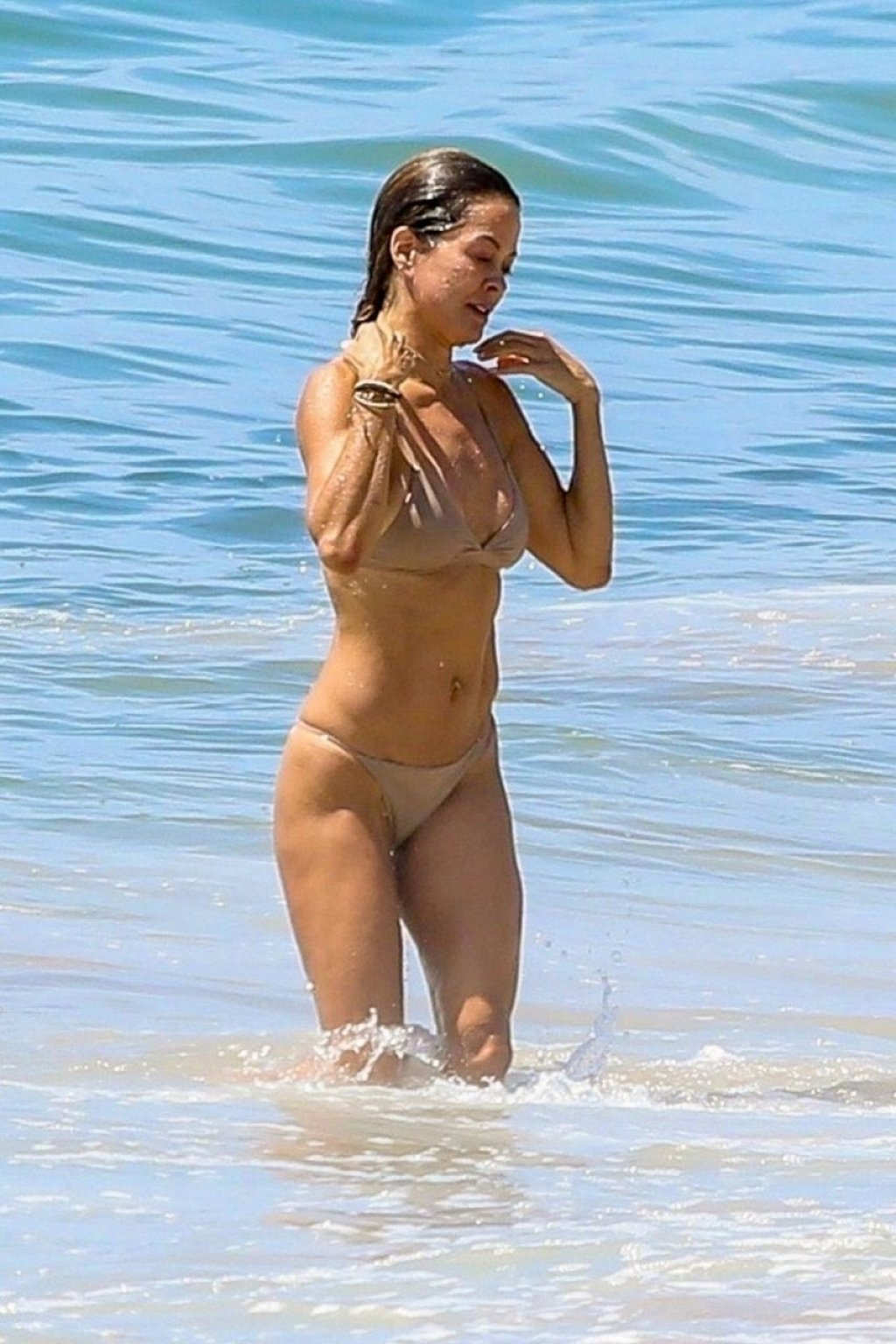 Brooke Burke Sexy (102 Photos)