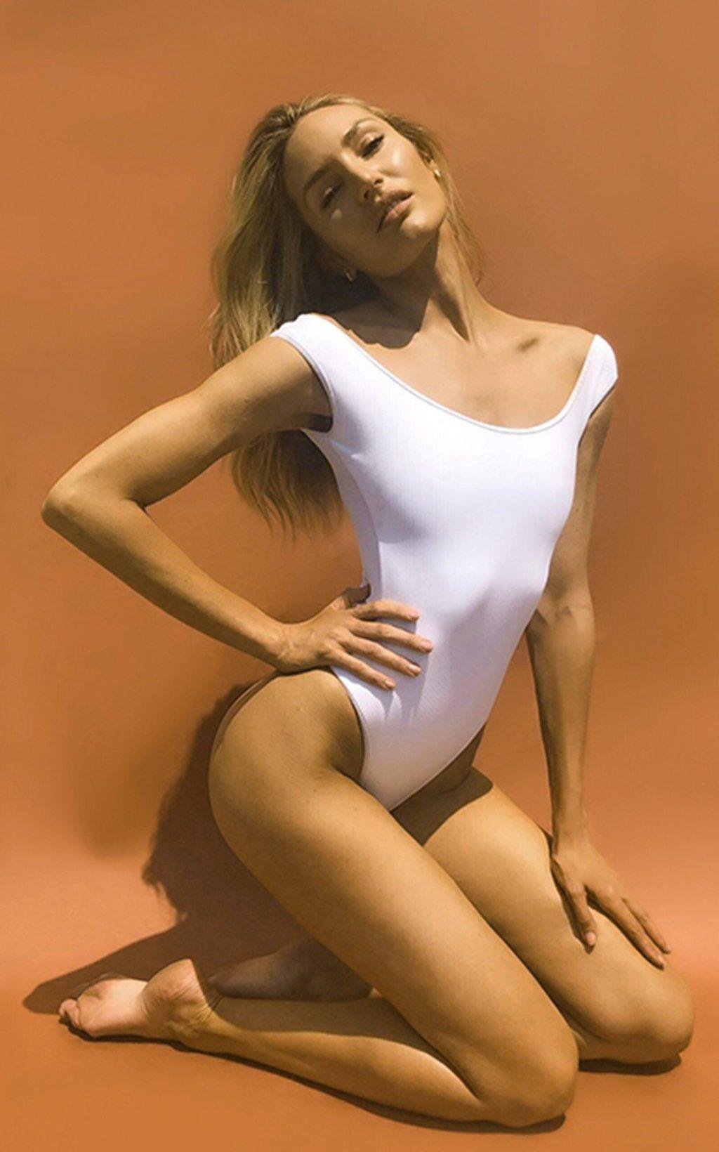 Candice Swanepoel Sexy (26 New Photos)