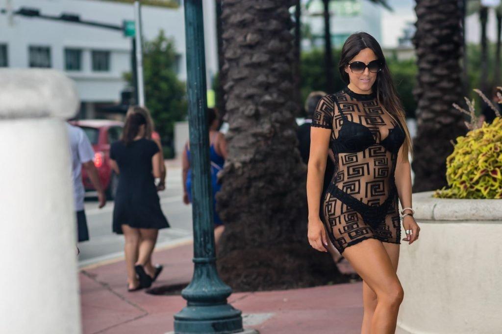 Claudia Romani Sexy (17 New Photos)