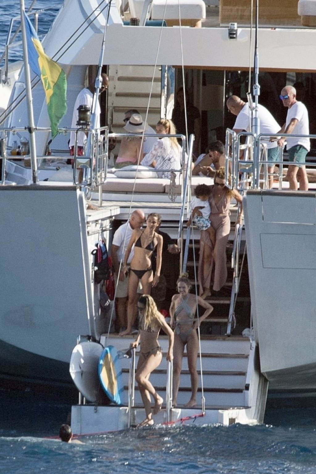 Doutzen Kroes, Candice Swanepoel, Joan Smalls Sexy (61 Photos)
