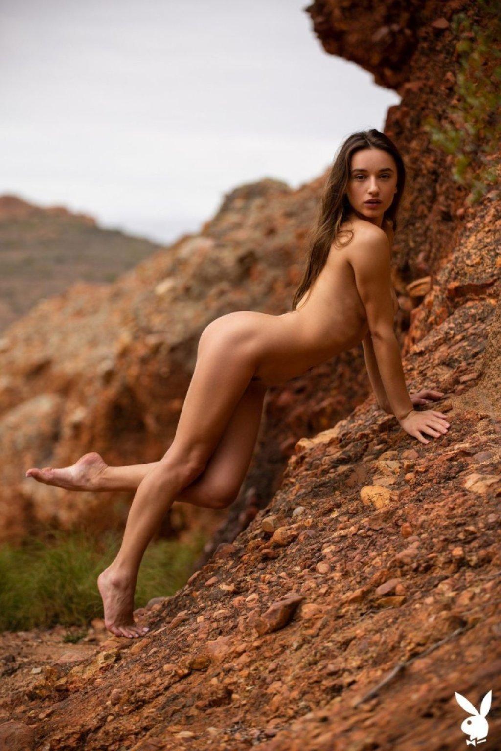 Gloria Sol Nude & Sexy (32 Photos)