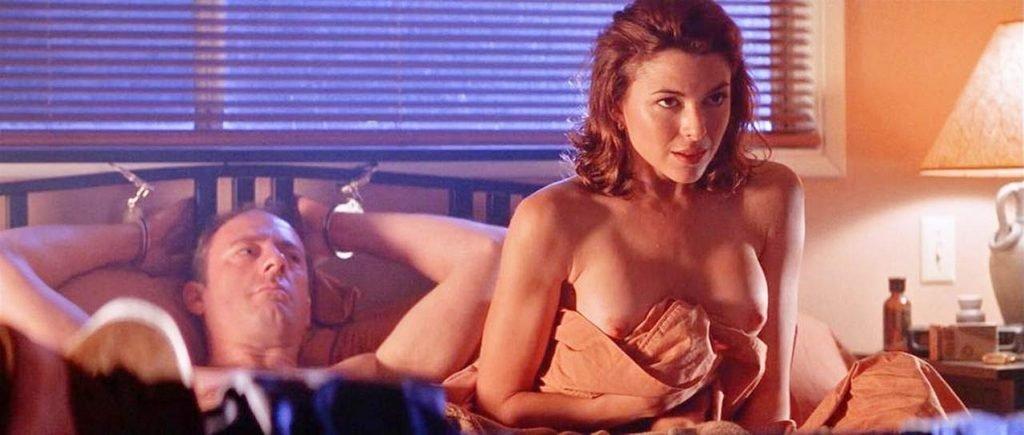 Kari Wuhrer Nude – Phoenix (4 Pics + GIF & Video)