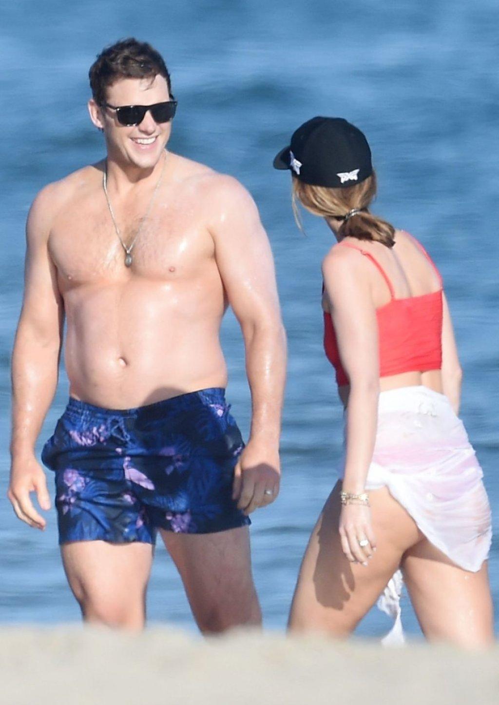 Katherine Schwarzenegger Sexy (46 Photos)