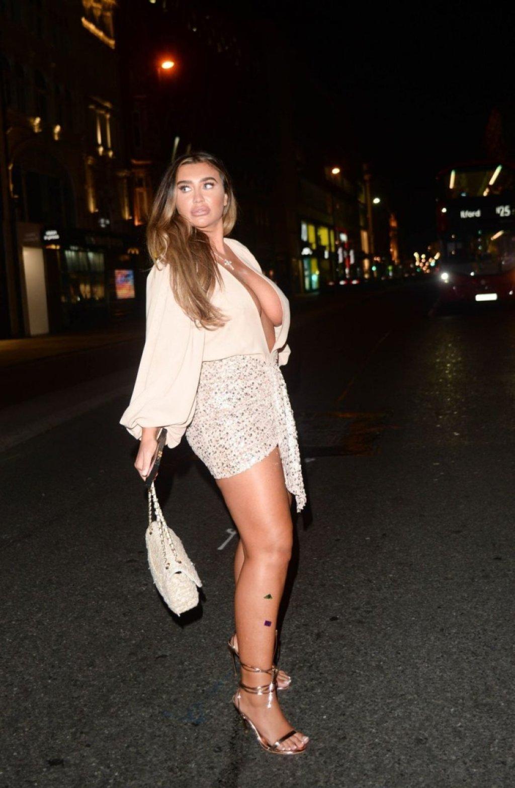 Lauren Goodger Sexy (47 Photos)