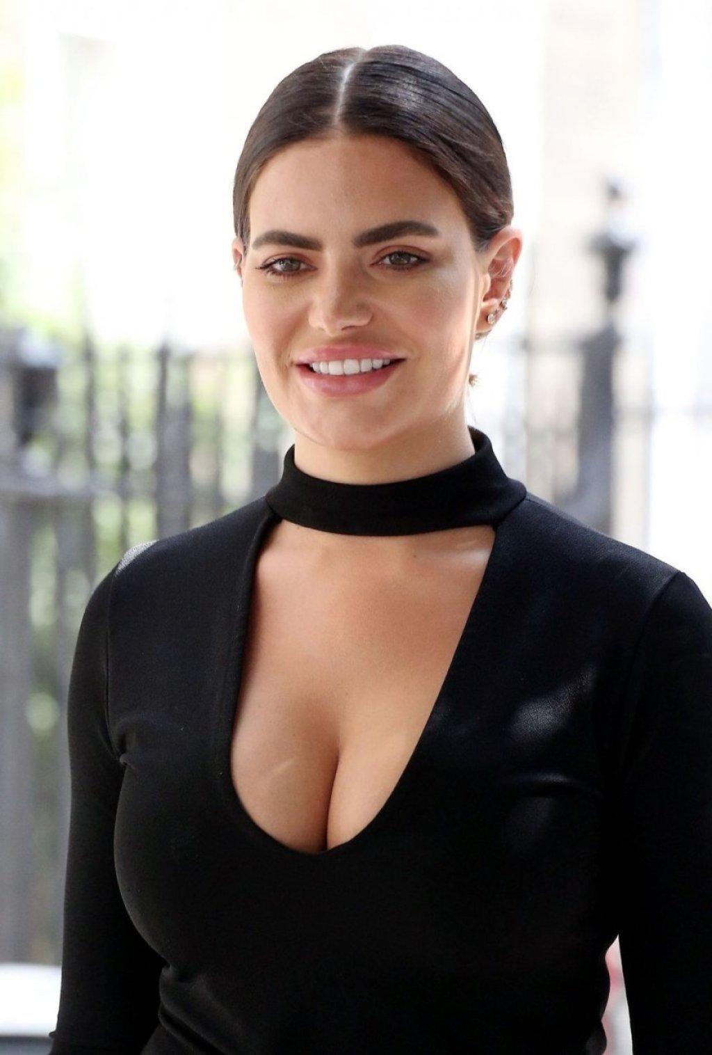 Megan Barton-Hanson Sexy (42 Photos)