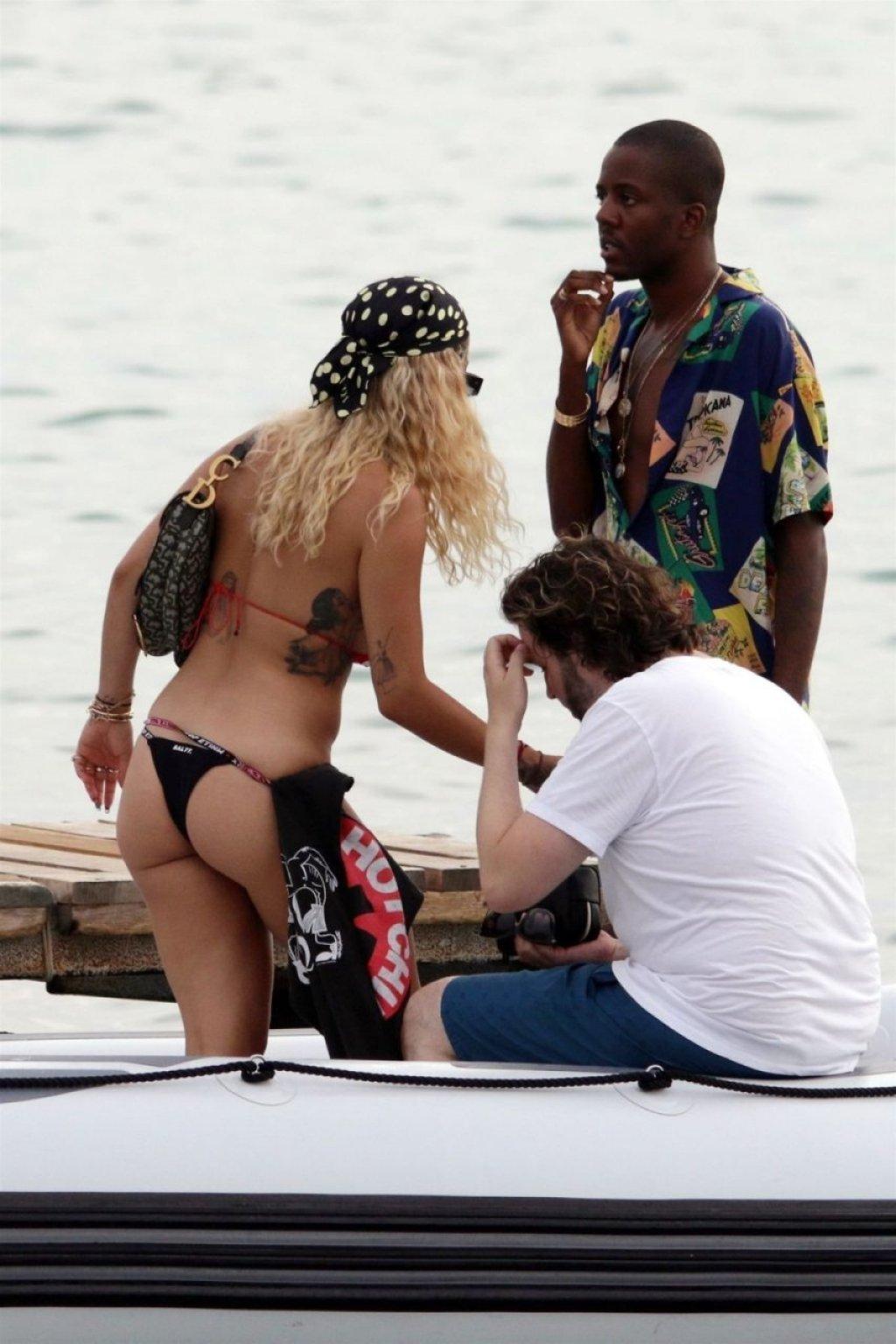 Rita Ora Sexy (29 Photos + Video)