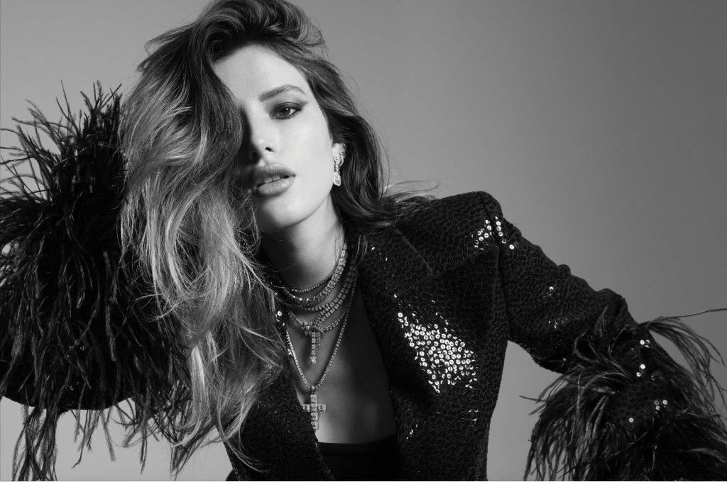Bella Thorne See Through & Sexy (4 Photos)
