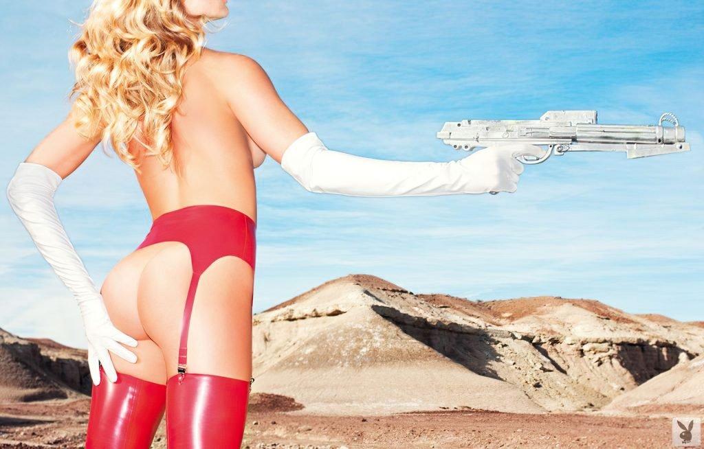 Chelsea Salmon Nude & Sexy (20 Photos)