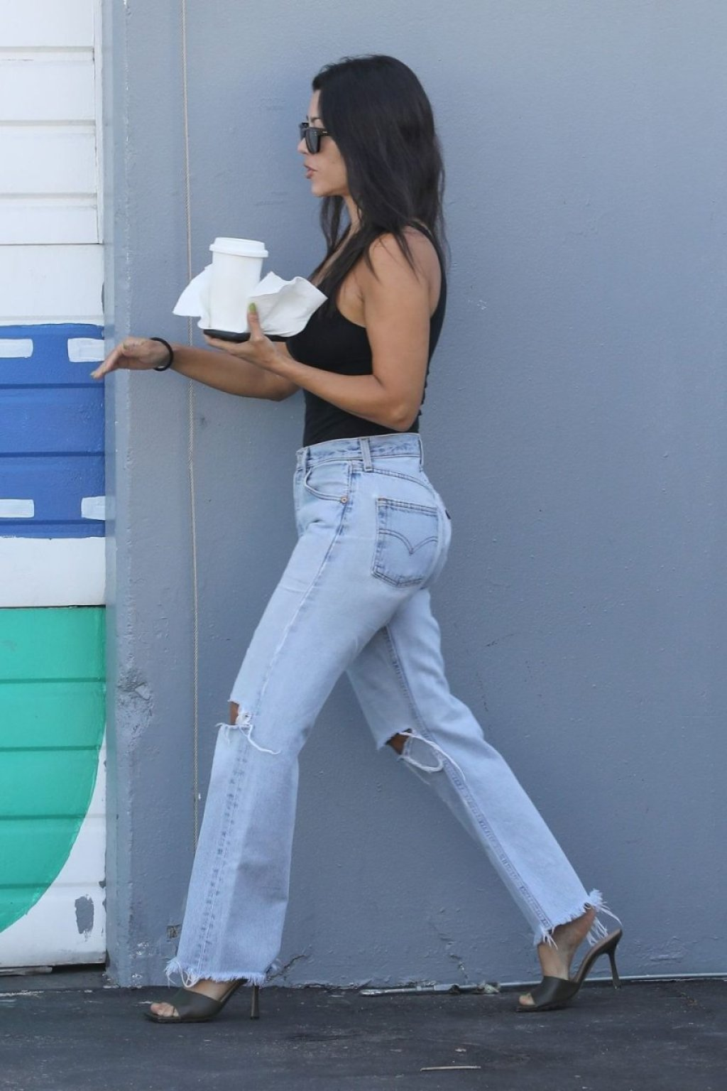 Kourtney Kardashian Sexy (7 Photos)