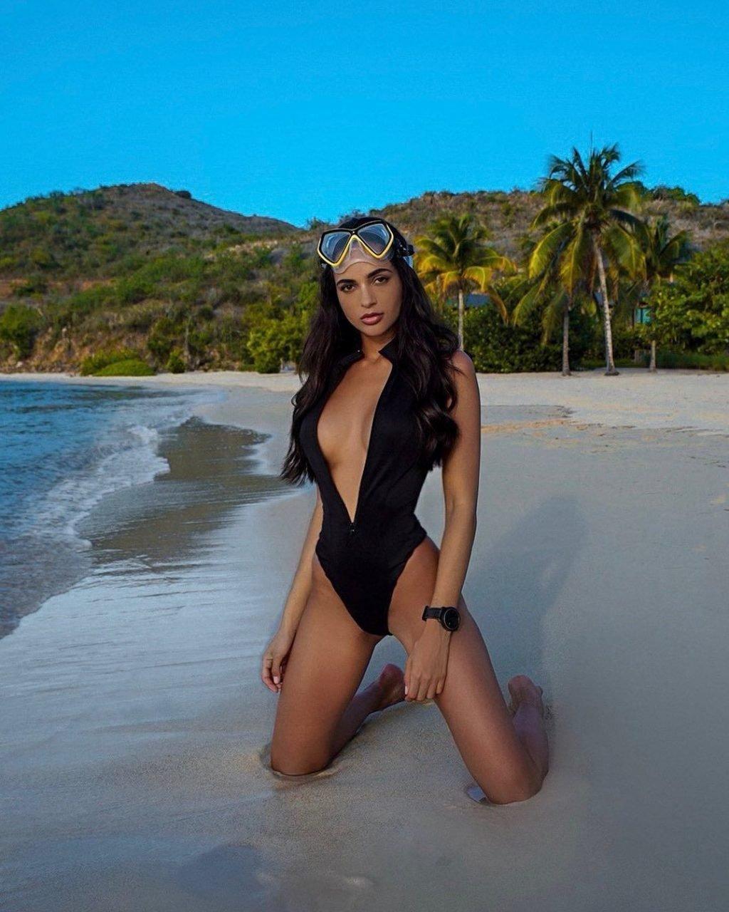 Leidy Amelia Labrador Nude & Sexy (121 Photos)