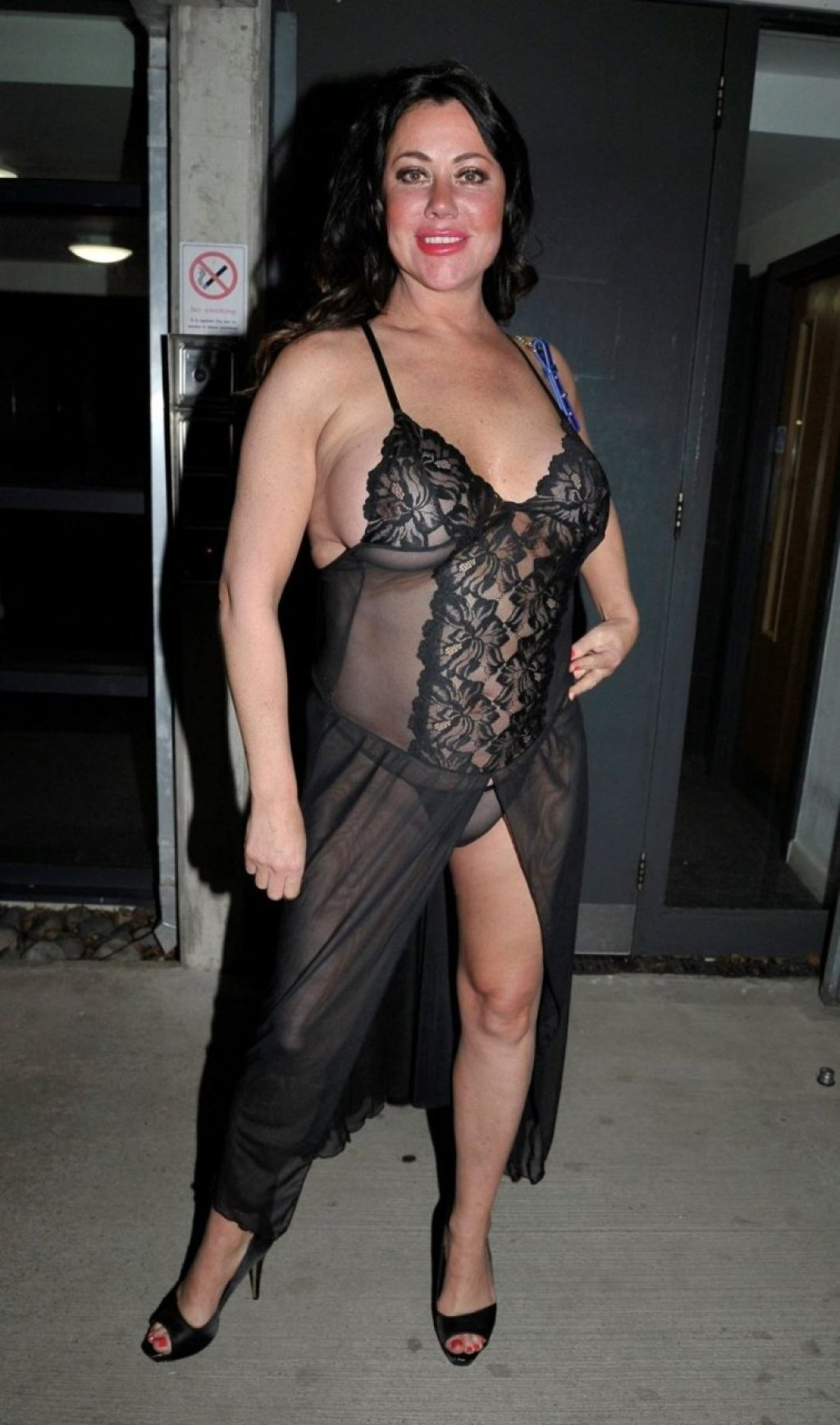 Lisa Appleton See Through (18 Photos)