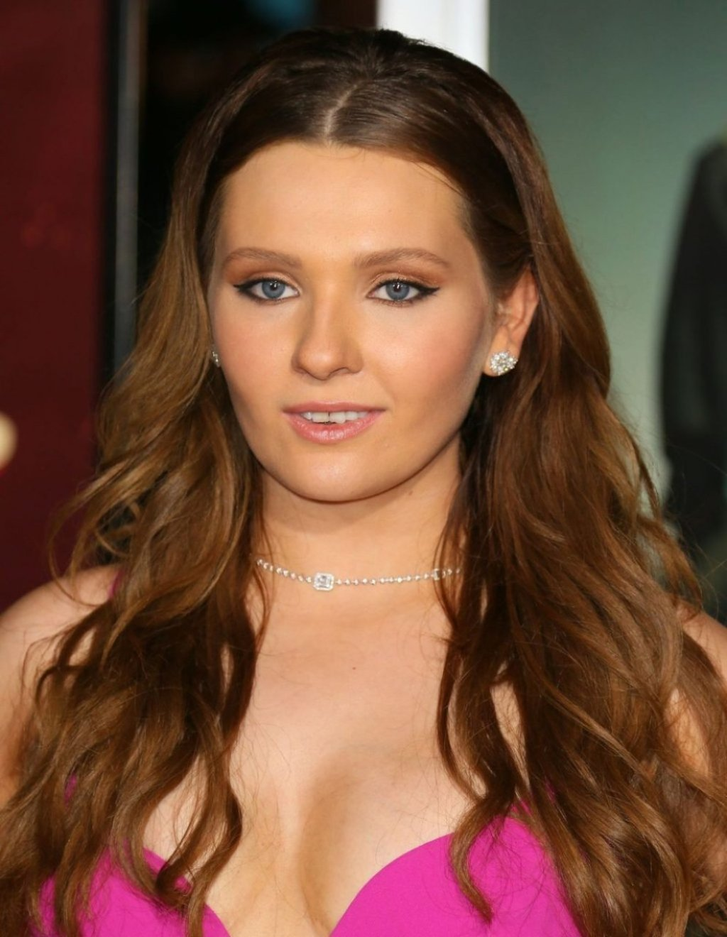 Abigail Breslin Sexy (57 Photos)