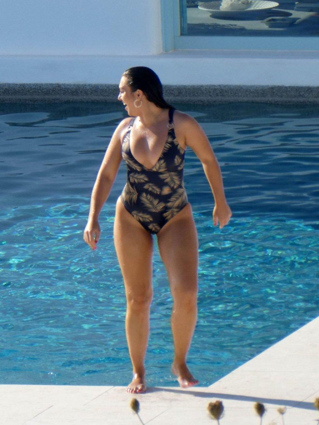 Alexandra Cane Sexy (27 Photos)