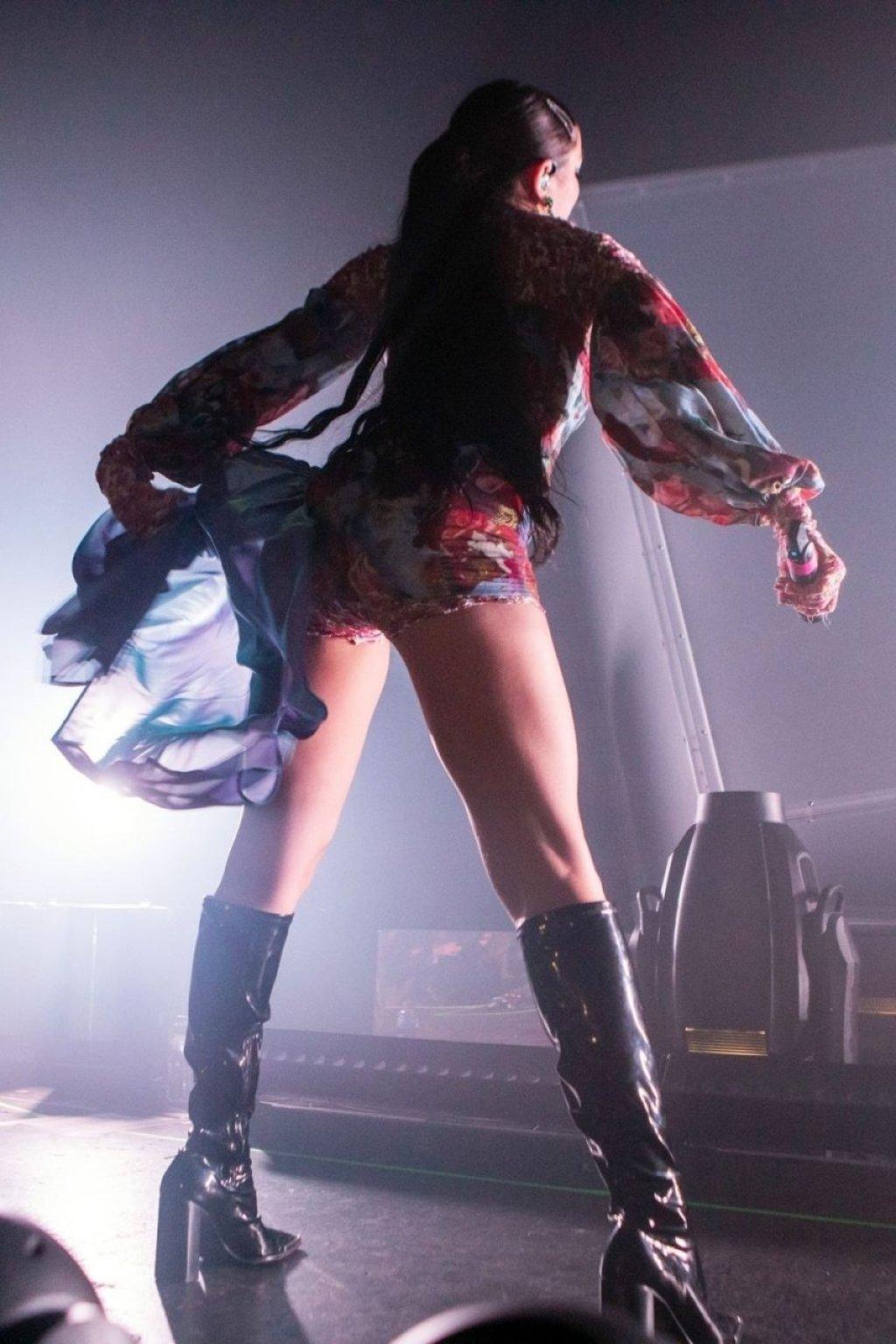 Charli XCX Sexy (48 Photos + Video)