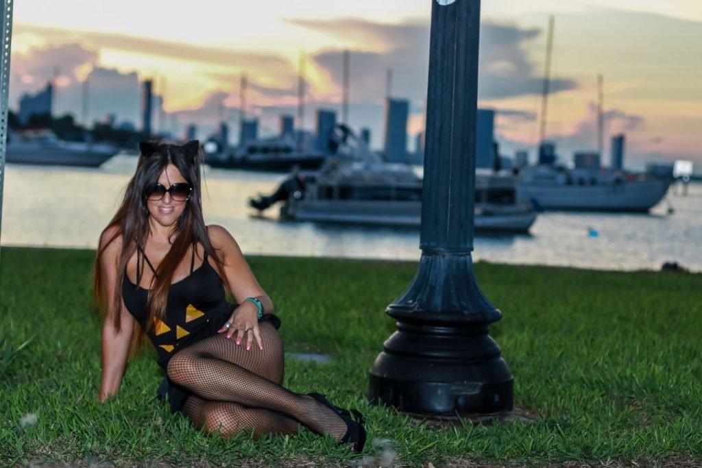 Claudia Romani (16 Sexy Photos)