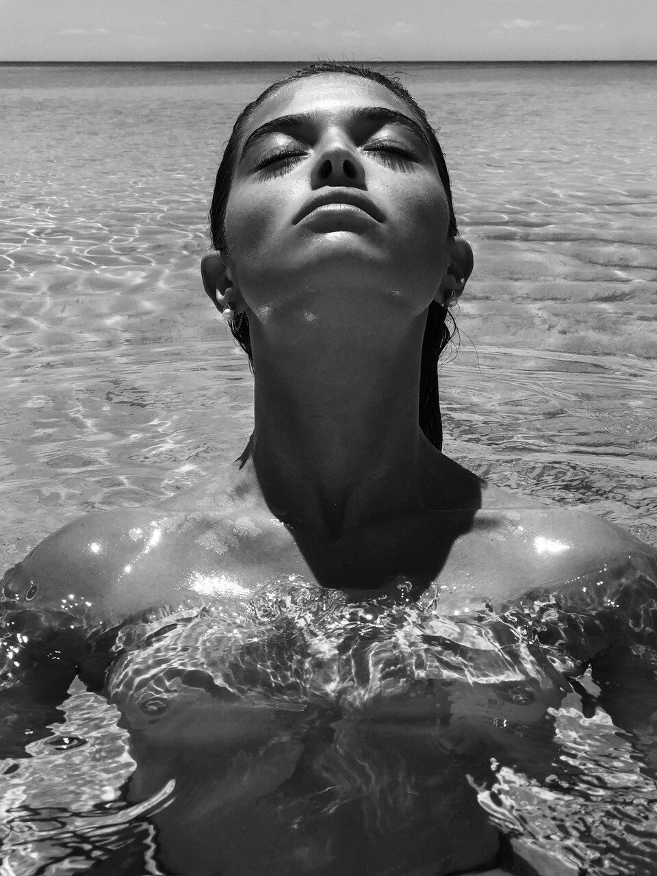 Daniela López Osorio Nude & Sexy (4 Photos)