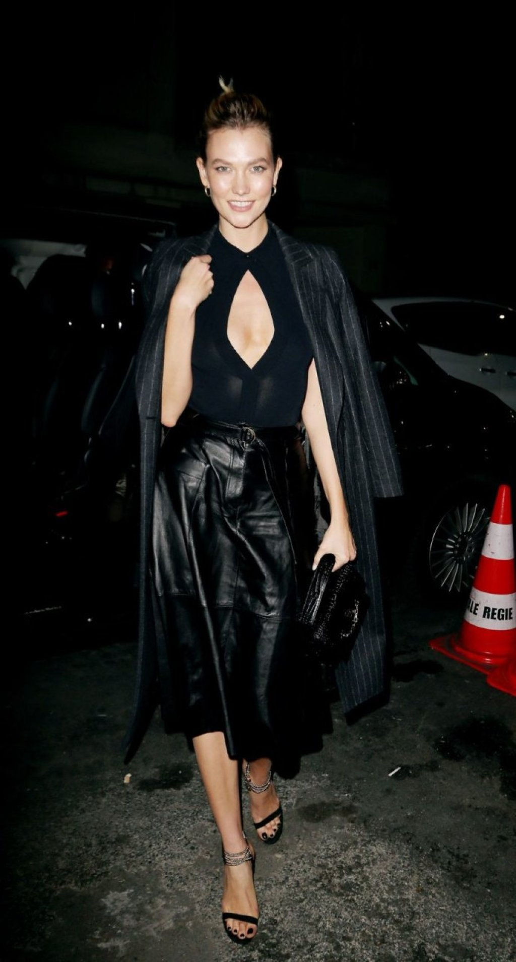Karlie Kloss Sexy (16 Photos)
