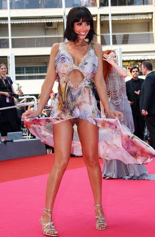 Yasmine Lafitte Nude (15 Photos)
