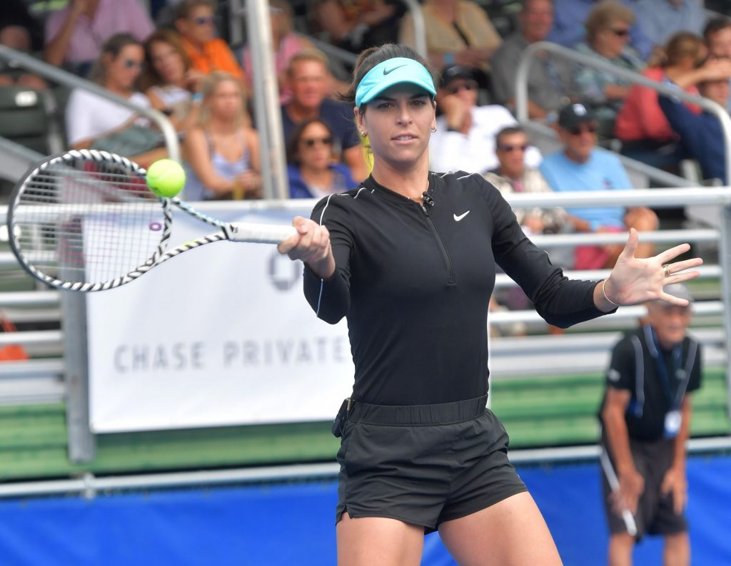 Ajla Tomljanovic Sexy (14 Photos)