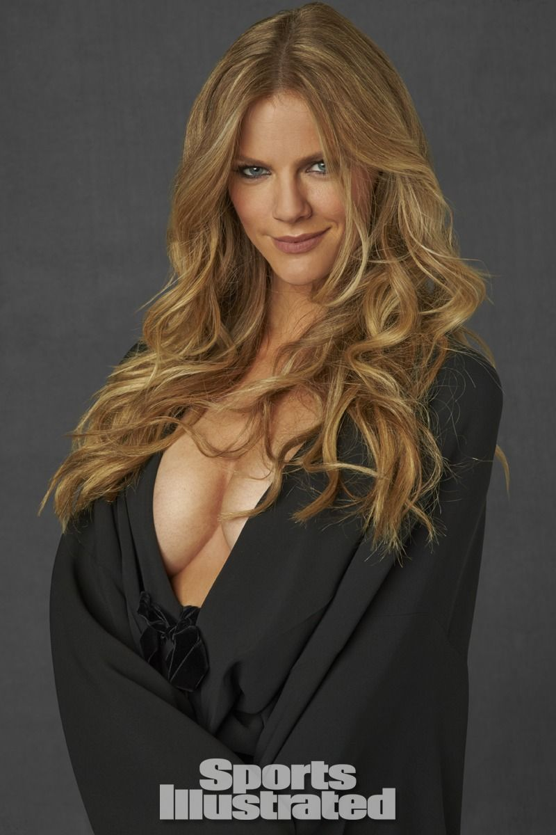 Brooklyn Decker Just Go With Ir | Nude Naked Pussy Slip