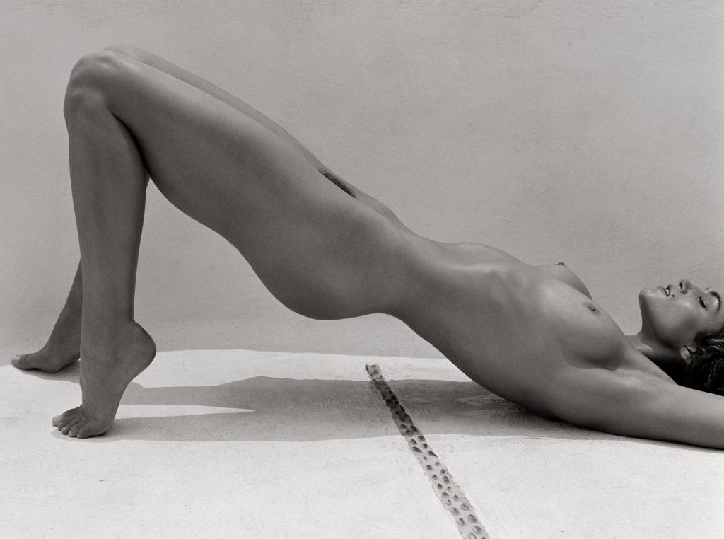 Cindy Crawford Nude (2 Photos)